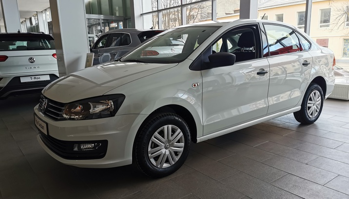Volkswagen Polo sedan Life